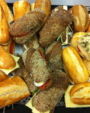 Diverse broodjes uit eigen bakkerij